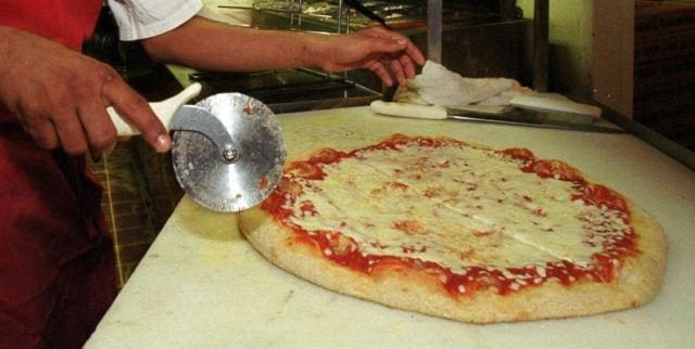 #NationalCheesePizzaDay: Here's Who Has Pizza Deals Today!