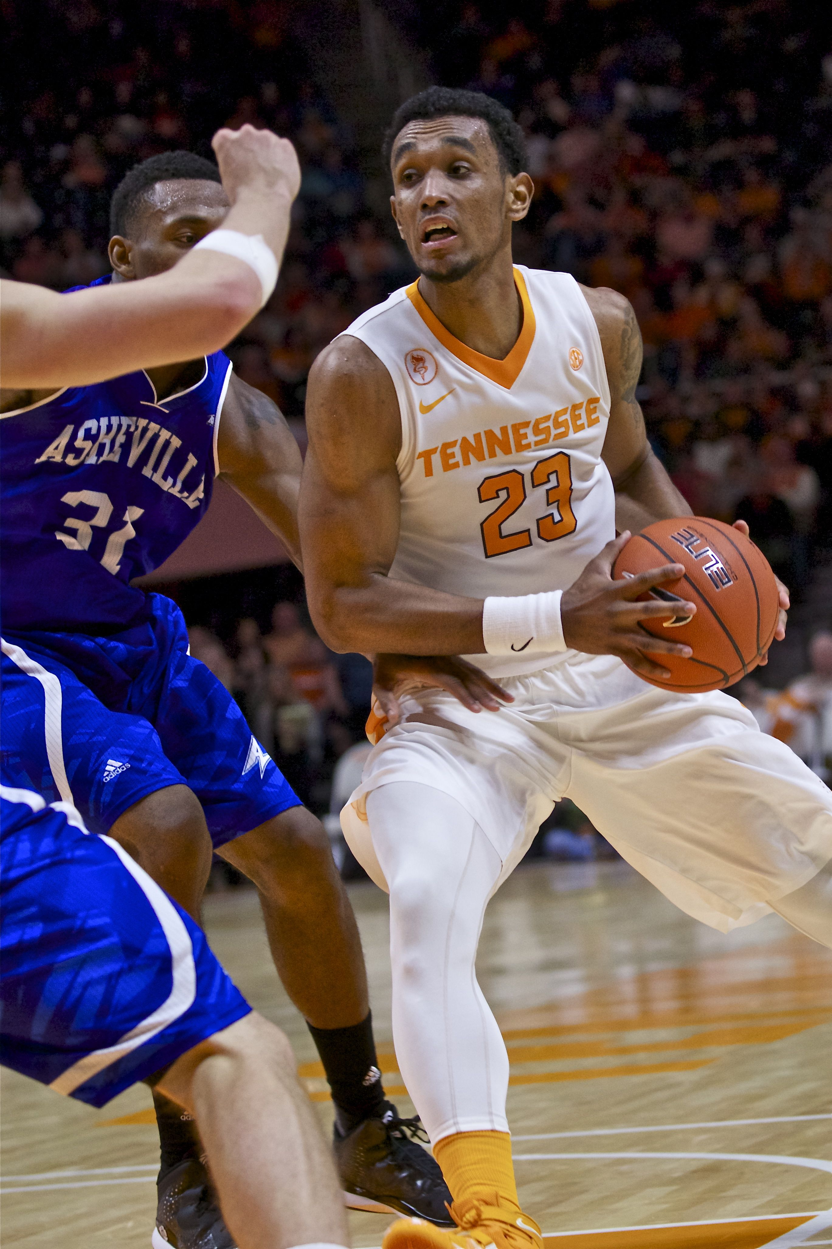 Photo Gallery: Tennessee vs  UNC Asheville Basketball 11-13