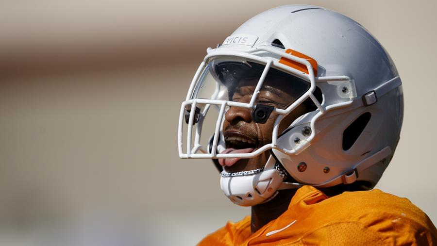 Bituli, Sapp Encouraged by Competition at Linebacker