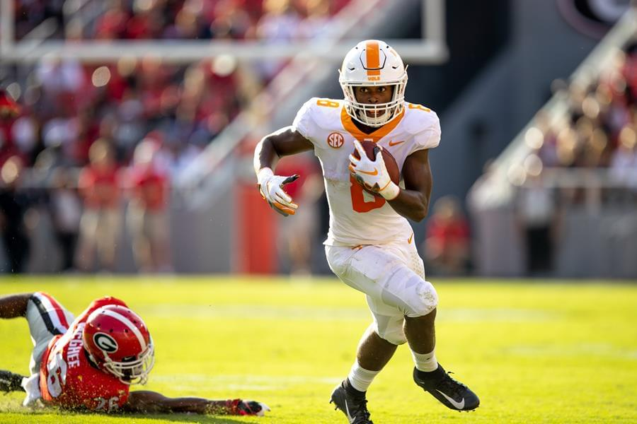 No. 2/3 Bulldogs Top Vols in Athens, 38-12