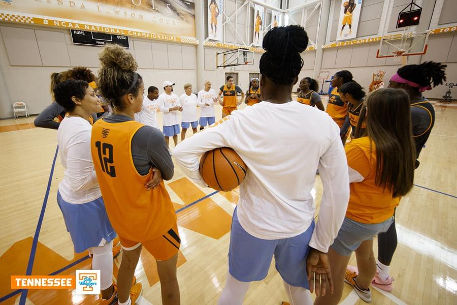 Lady Vols hold first practice of 2018-2019