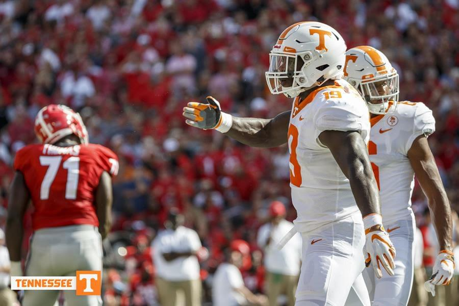 Football Central: Tennessee at #21/21 Auburn