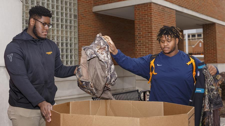 Trey Smith Gives Back, Assists 'Coats for the Cold'
