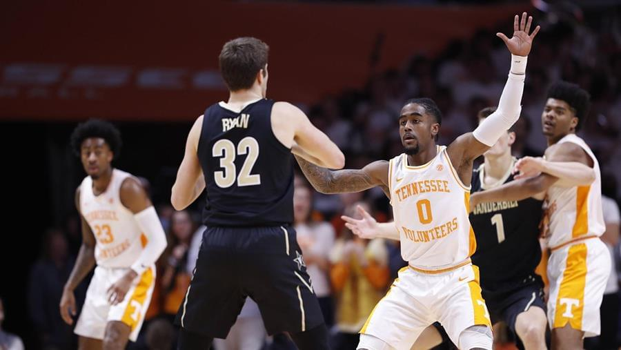 Fifth-Ranked Vols Swarm Vanderbilt in 58-46 Win