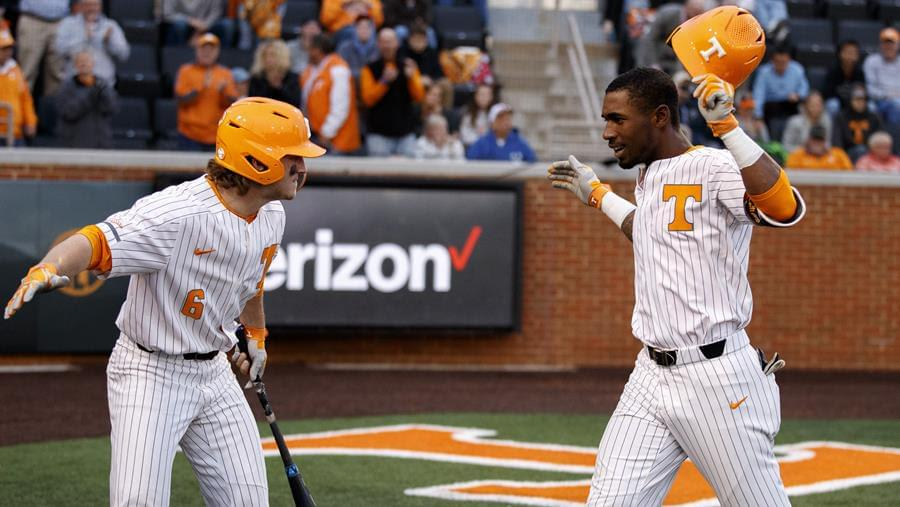 Vols Cruise Past Bulldogs to Complete Midweek Sweep