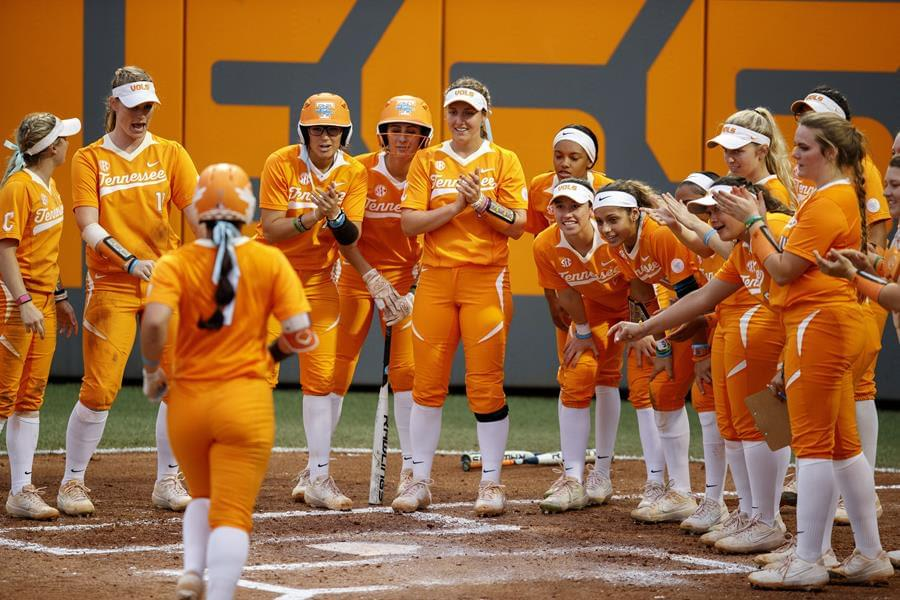 #6/5 Lady Vols Run-Rule BYU, 14-2, to Open Tennessee Invite