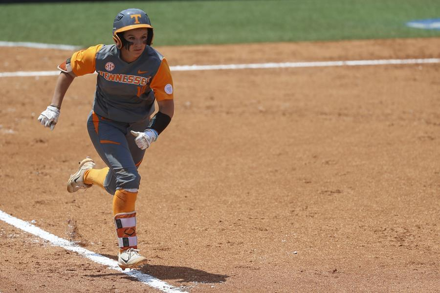 No. 5 Tennessee Shuts Out UNC, 2-0