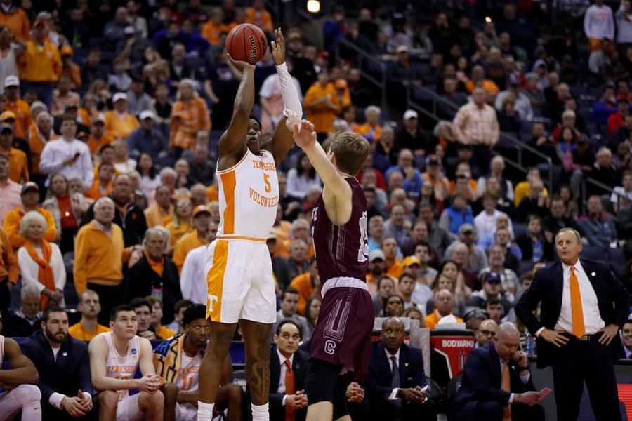 Vols Fend Off Colgate's Rally, Advance to Second Round with 77-70 Win