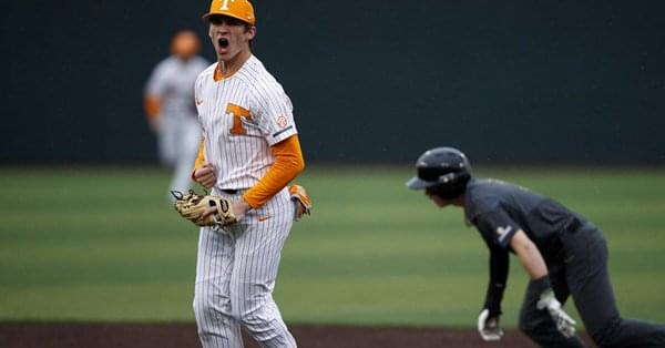 No. 22 Vols Rally Late to Win Rubber Game Against No. 24 Gamecocks