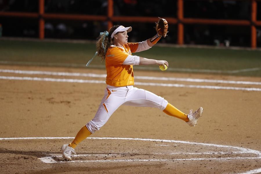 No. 5/6 Tennessee's Rally Falls Short as Mizzou Takes Game 1, 5-4