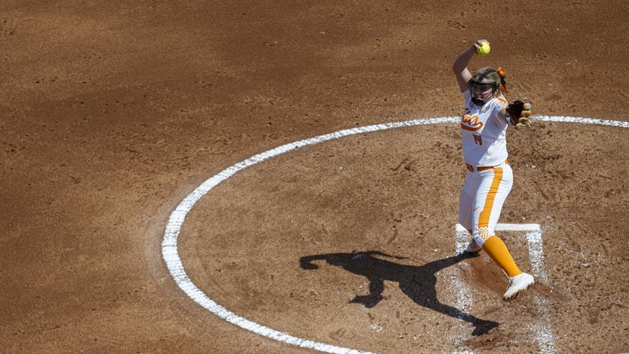 No. 5/6 UT Wins Third SEC Series with 9-3 Rout of Mizzou