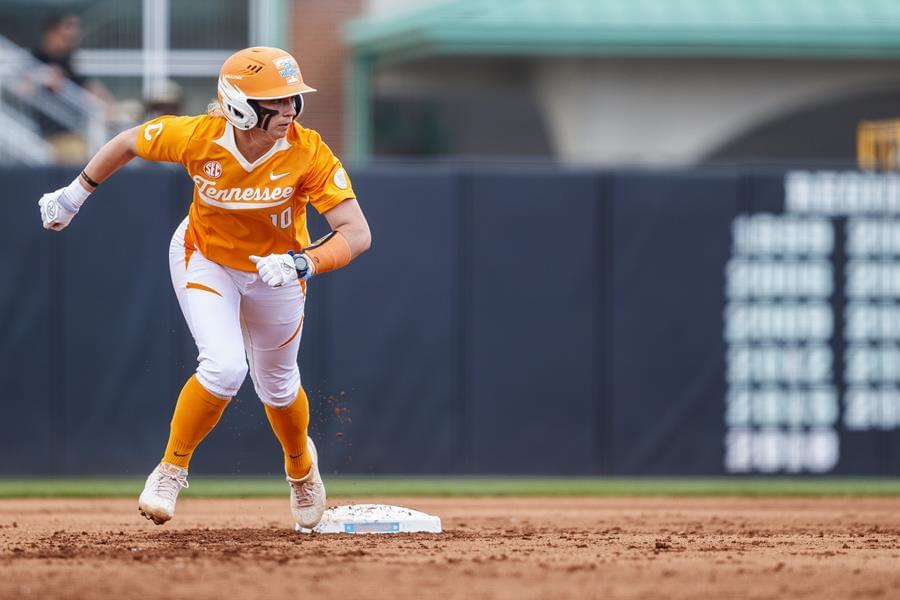 #5/7 Lady Vols Drop Series Opener to #13/14 Auburn, 10-5