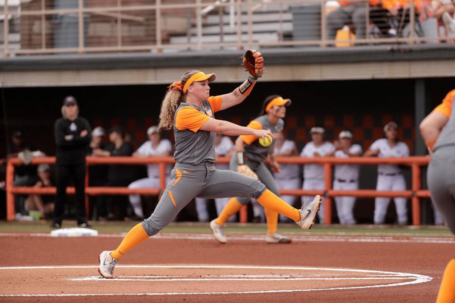 No. 9/8 Lady Vols Run-Rule Mississippi State, 10-2, to Win Series