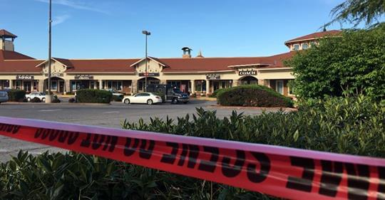 2 Dead 1 Injured in Tanger Outlet Shooting