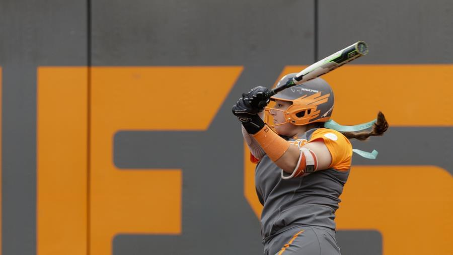 No. 8 Tennessee Falls to No. 16/22 UGA in Series Finale, 8-0