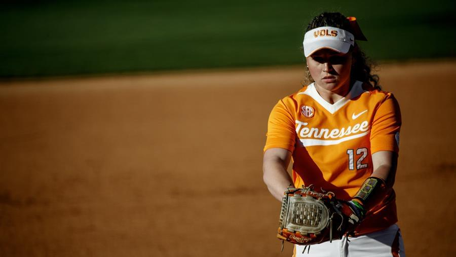 No. 9 Lady Vols Edged by No. 17/18 Ole Miss, 4-1