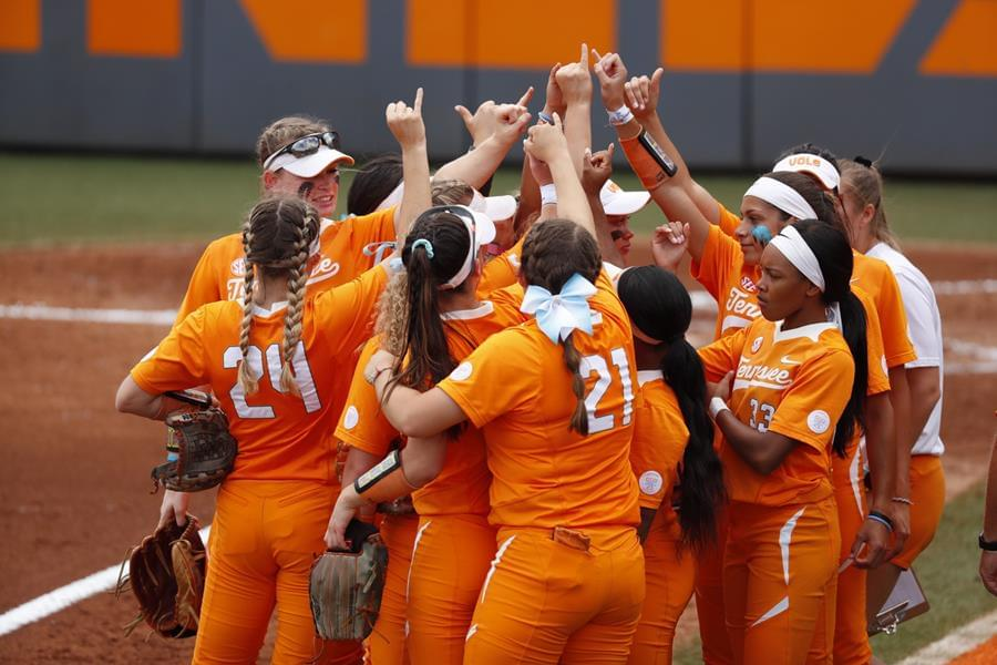 No. 11/12 UT Edged by Aggies, 6-4, in Extras to Close Regular Season