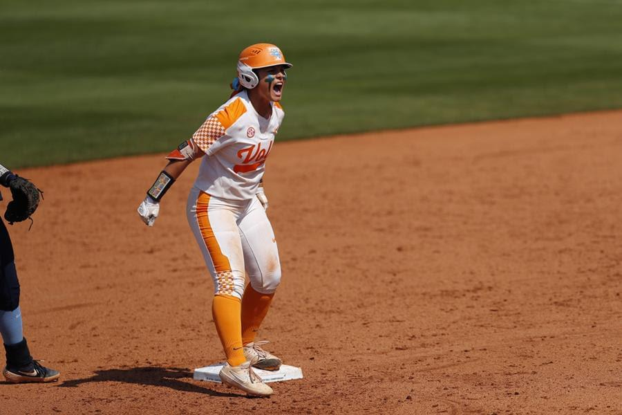 #12 Tennessee Shuts Out UNC, 2-0, Punches Ticket to Supers