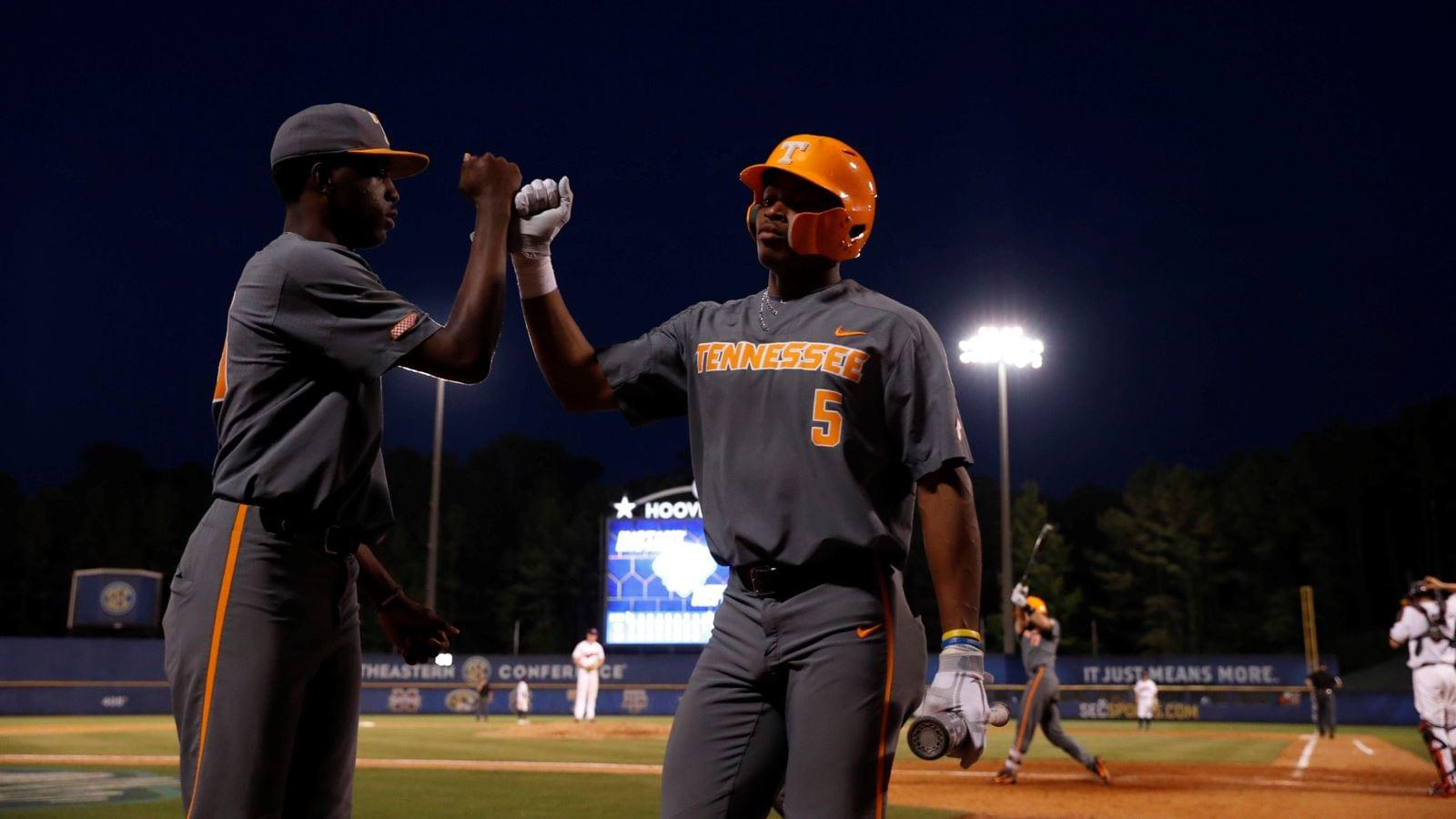 Vols Fall to Auburn in Opening Round of SEC Tournament