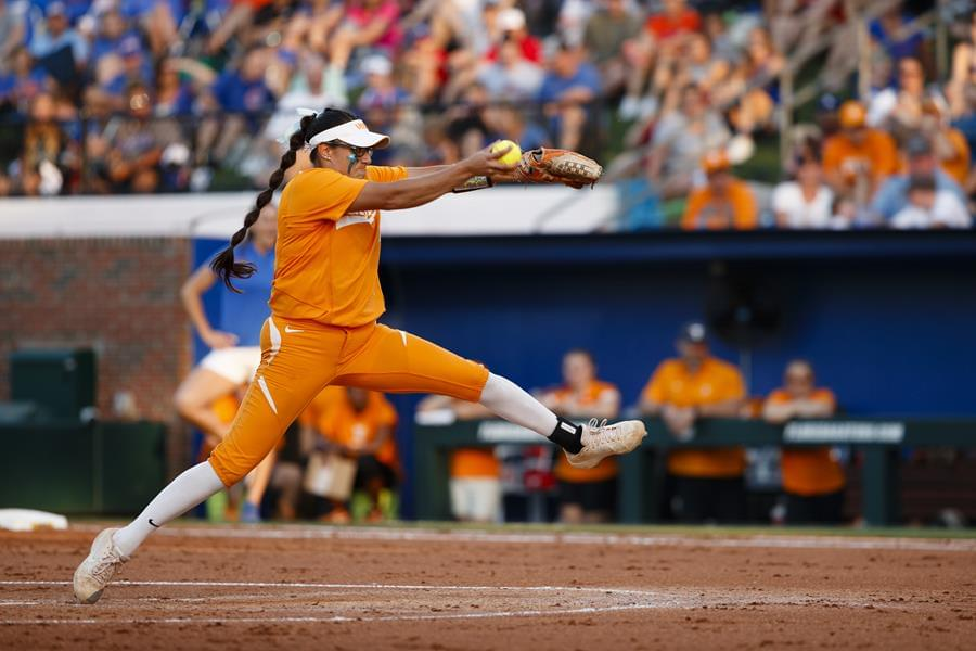 #12 UT Falls to #5 Florida, 3-0, Looks to Even Series in Game 2