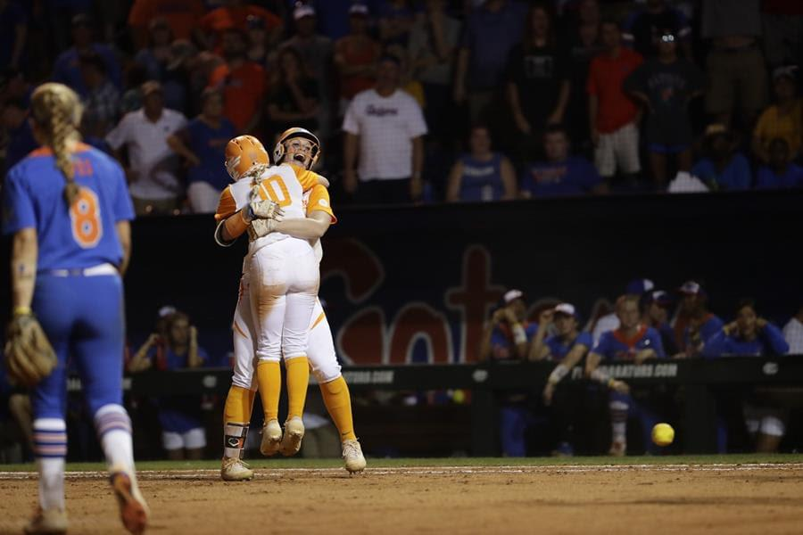 #12 Lady Vols Walk It Off in Extras, 3-2, vs. #5 UF to Force Game 3