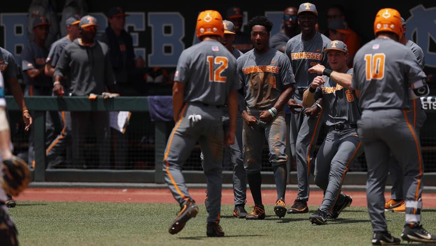 No. 22 Vols Sail By Seahawks for First NCAA Tournament Win Since 2005