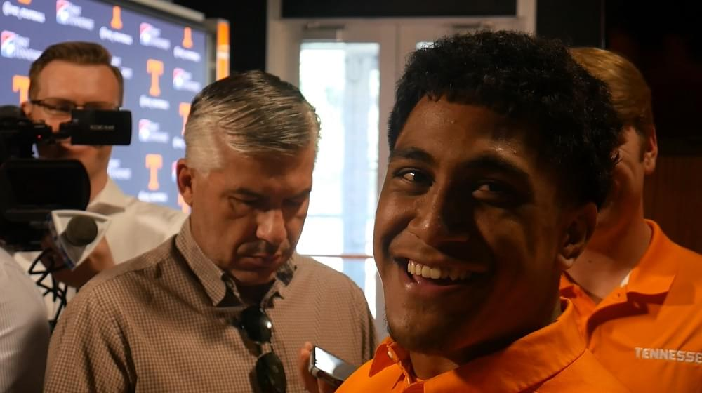 Video: Vols freshman LB Henry To'oto'o meets with media for 1st time