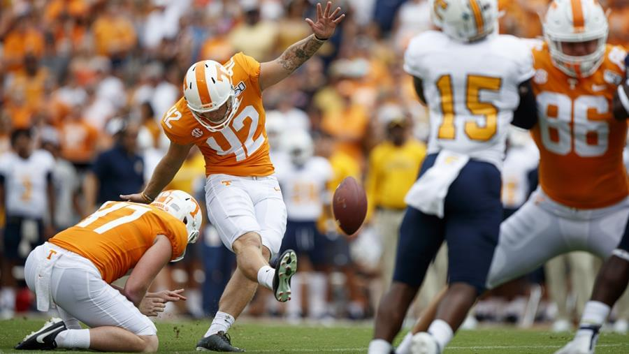"""VOL REPORT: Tennessee Travels to """"The Swamp"""" for First Road Trip in the Fall"""