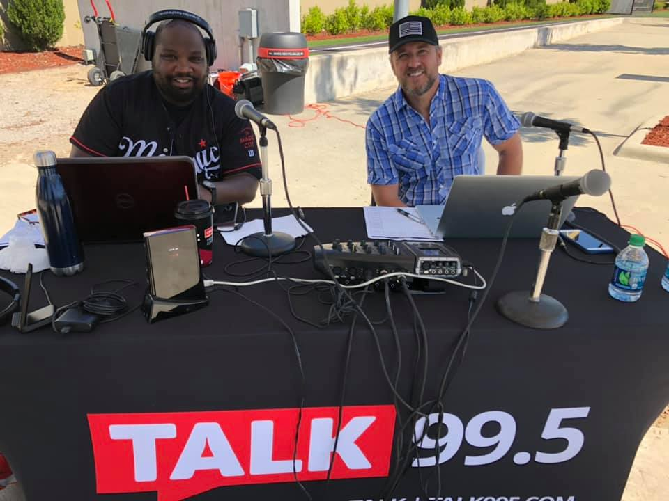 Leland and AJ Live at Food Giant in Center Point