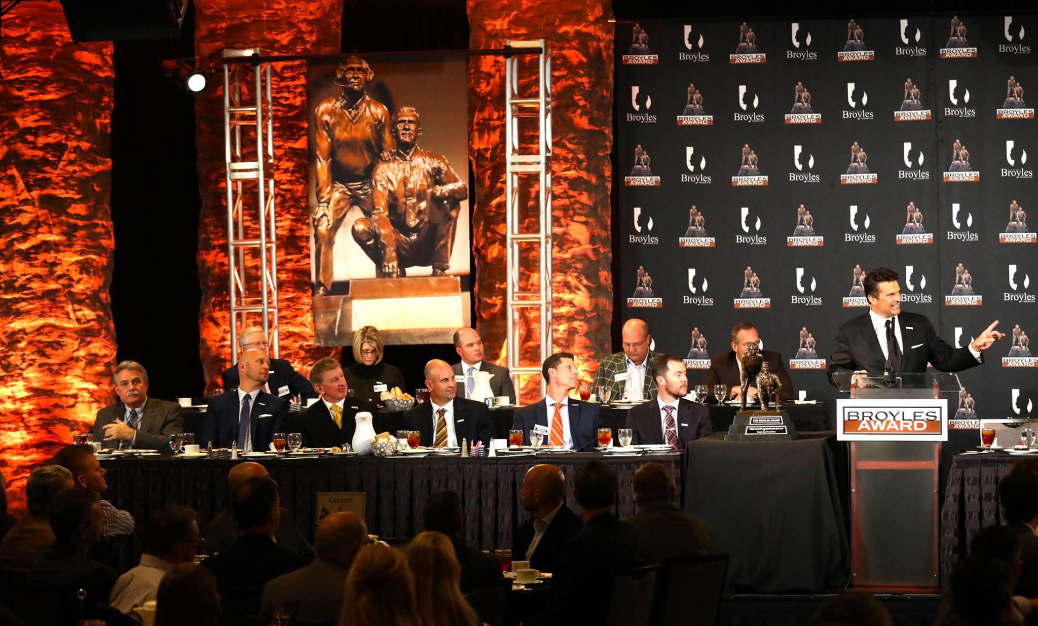 Broyles Award names five finalists