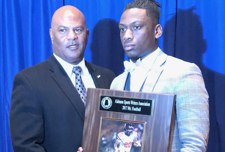 Auburn signee Asa Martin wins 2017 Mr. Football award