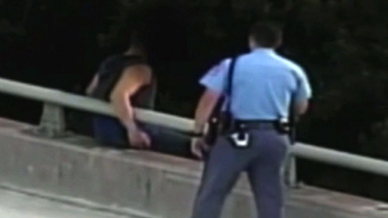 Cop's stunning move to suicidal man