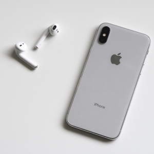 Scientists Find Airpods Could Possibly Cause Cancer