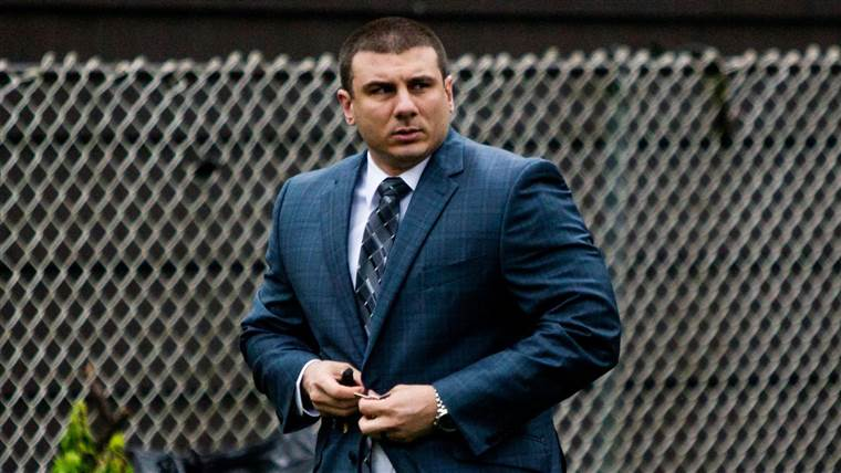 Cop Whose Chokehold Led to Eric Garner's Death Is Fired by NYPD