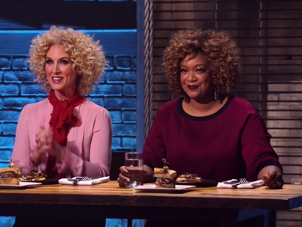 """Watch Little Big Town's Kimberly Schlapman Get Competitive on """"Beat Bobby Flay"""""""