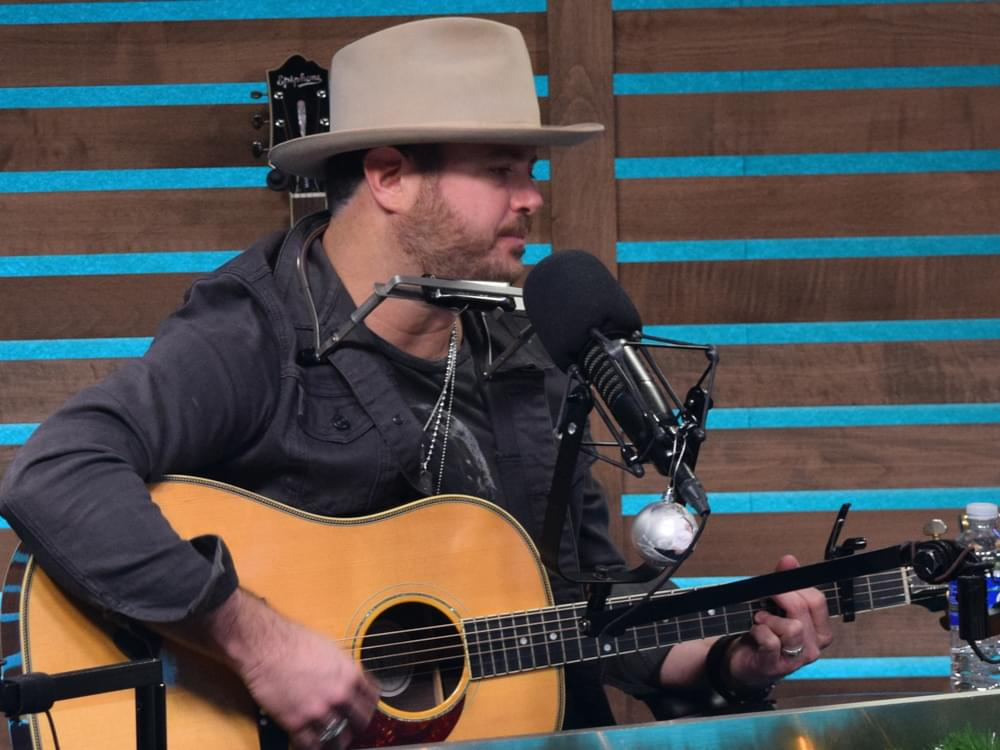 """Listen to Wade Bowen's Soulful New Song, """"Yours Alone"""""""