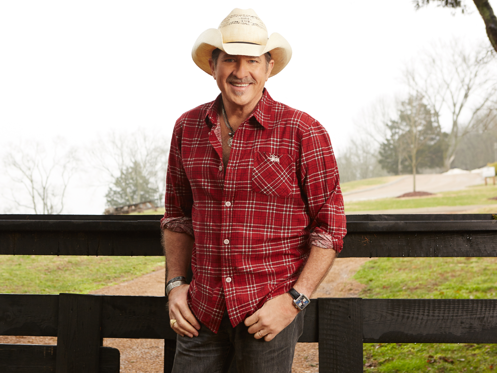 """Kix Brooks Celebrates 10th Anniversary as Host of """"American Country Countdown"""" With Contract Extension"""