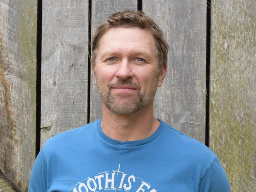 "Craig Morgan Remembers Late Son in Heartfelt New Song, ""The Father, My Son and the Holy Ghost"" [Listen]"