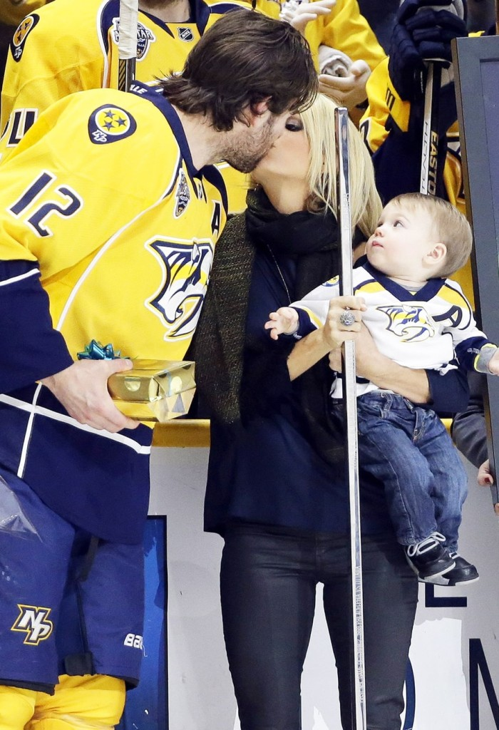 Carrie Underwood's husband Mike Fisher marks his 1000th NHL game!