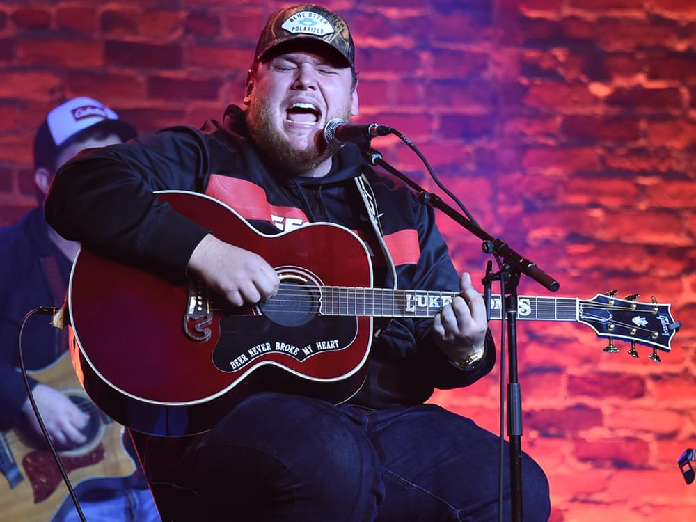 "Luke Combs Shares Unreleased Track, ""Every Little Bit Helps"" [Listen]"