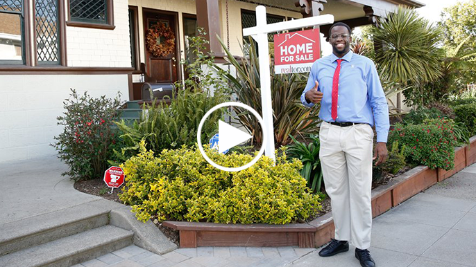 """Draymond Green goes undercover as local realtor """"Ray"""""""