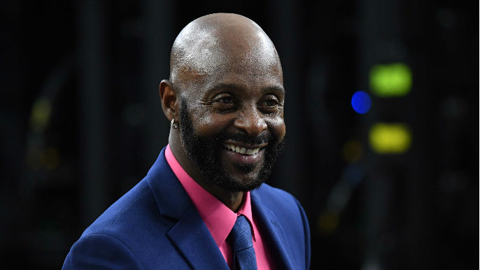 Man turns himself into police after stealing Jerry Rice ...