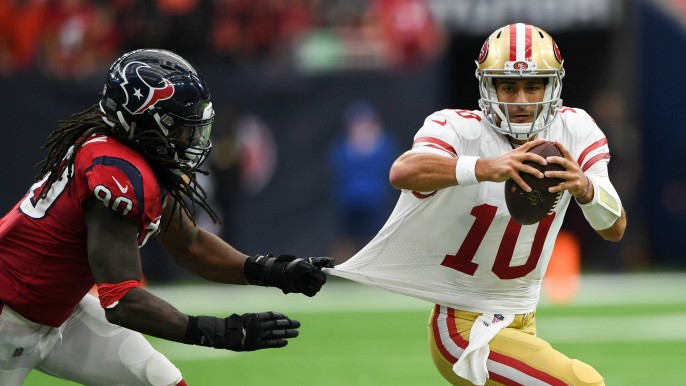 9ec9009f6ac Garoppolo overcomes 49ers  sloppiness with Brady-like poise