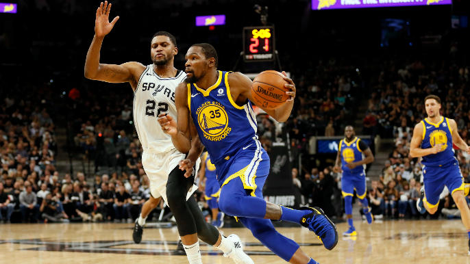 656f499300ec Kevin Durant sprained his ankle in the fourth quarter of the Warriors   110-97 Game 3 victory over the Spurs on Thursday evening.