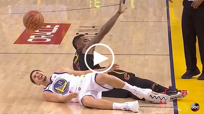 Klay heads to locker room after awkward collision with J.R. Smith