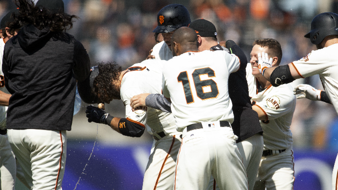 Crawford's RBI single leads Giants past D-Backs in 10th