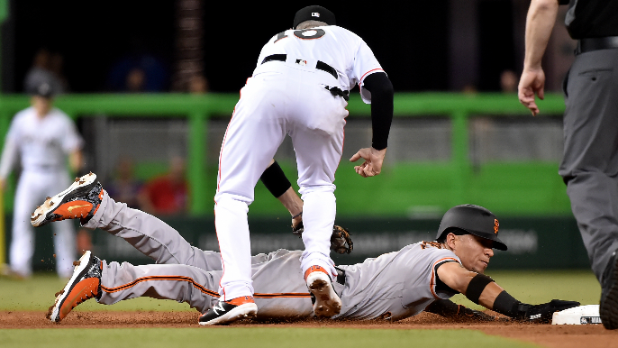 Richards earns first win, Marlins beat Giants 3-1