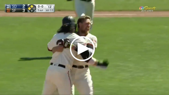 Hunter Pence hits two-run walk-off to give Giants win over Padres