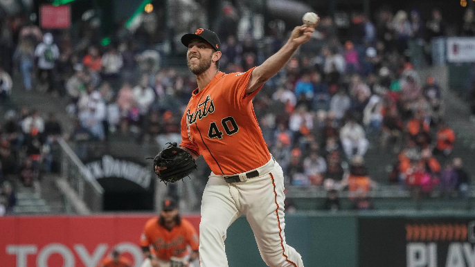 Giants waste eight-inning Bumgarner start in loss to Brewers