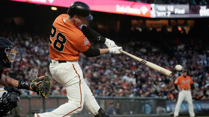 Giants display offensive fireworks early, avoid late scare in win over Pirates